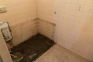 お風呂のシート施工前